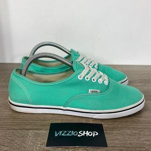 Vans - Low Top - Men 7.5 - TB4R